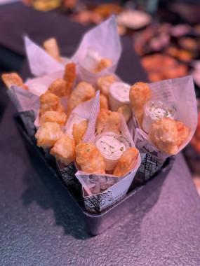 Cornet d 'aiguillettes de Fish and Chips de cabillaud